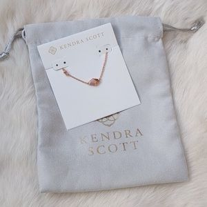 NEW✨ Kendra Scott Laureen Pendant Gold Necklace